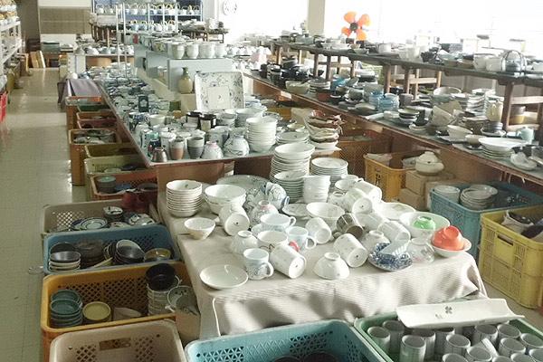 大楽陶器店の店舗内 2F